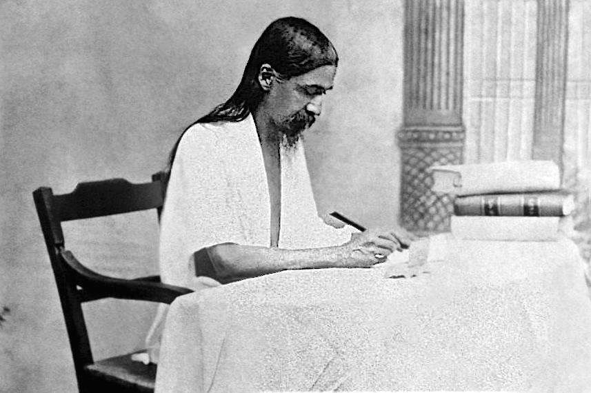 SA-P07.Seated, writing (?1915-1918)